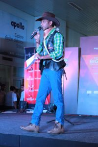 Chennai Master of Ceremonies Sangeet Emcee Thamizharasan hosting an Event