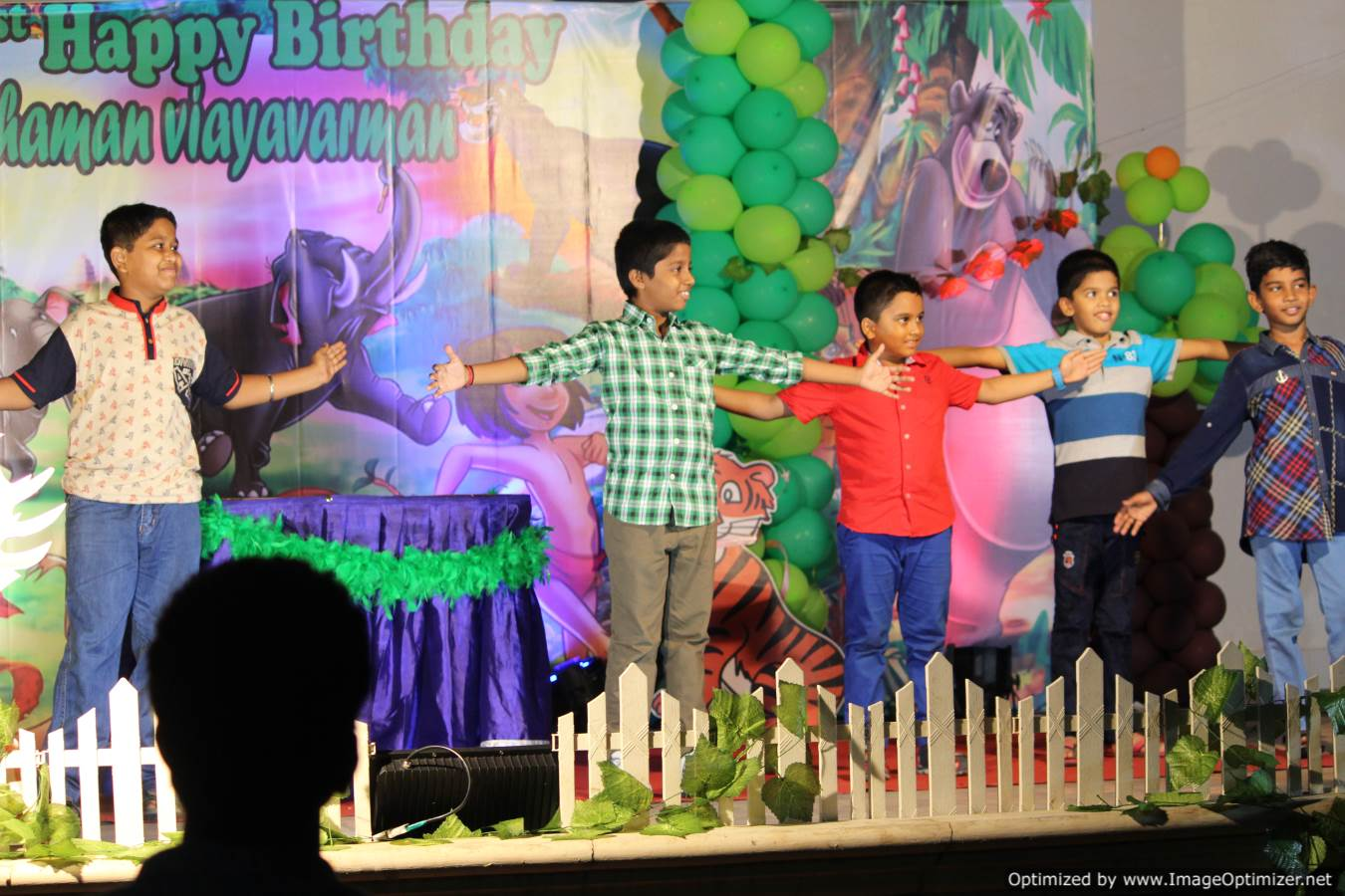 Chennai Birthday Party Master of Ceremony Thamizharasan conducting games for kids